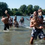 Fürdés a Tiszában