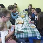 Közös ebéd a gyülekezeti házban
